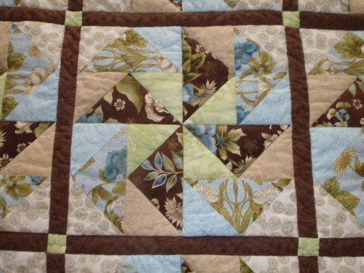 Finished_Quilt_Pinwheel_Design